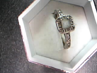 White Stone Lady's Silver & Stone Ring 925 Silver 2.99g