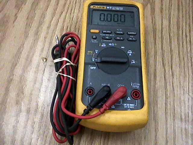 FLUKE Multimeter 88 V