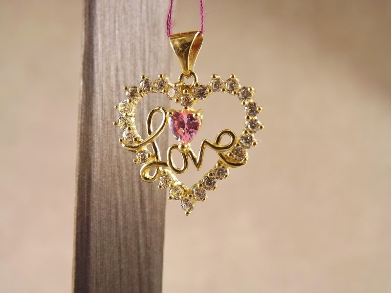 10k YG Pendant with Cz and pink heart shaped stone with Love