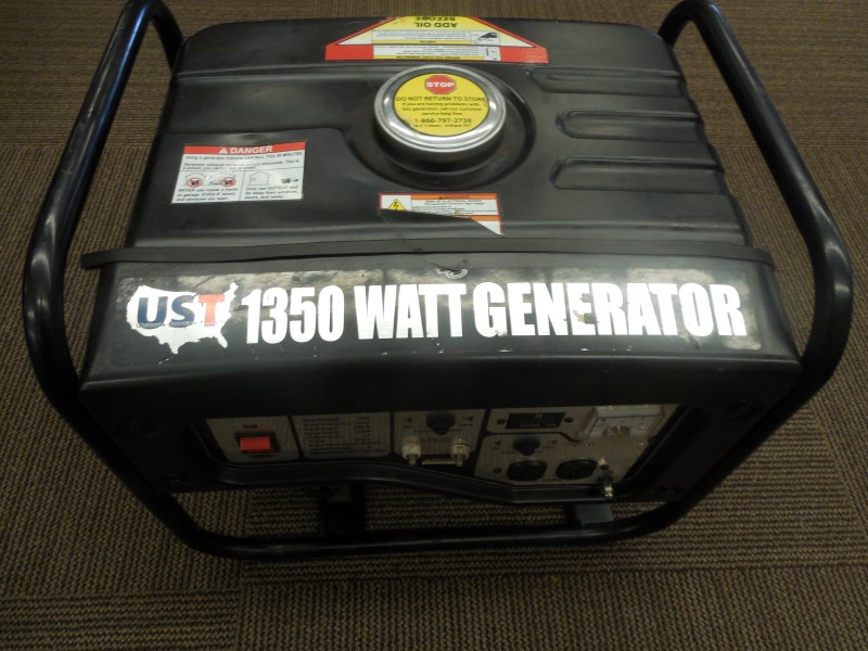 UST GG1350 1350 WATT GAS POWERED PORTABLE GENERATOR