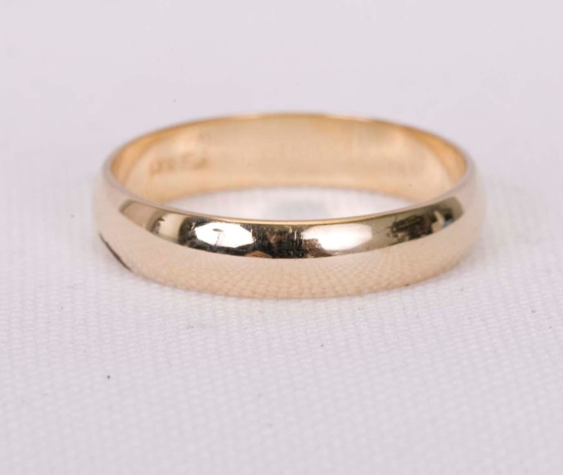 Lady's Gold Ring 14K Yellow Gold 2.82g