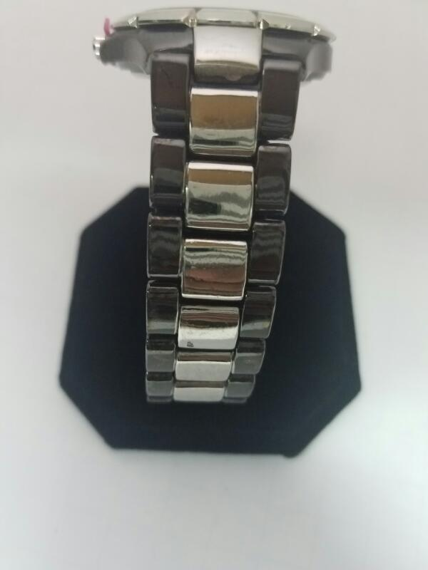 CR V109 GOLD/SILVER WATCH PLATED   79KMNS WATCH