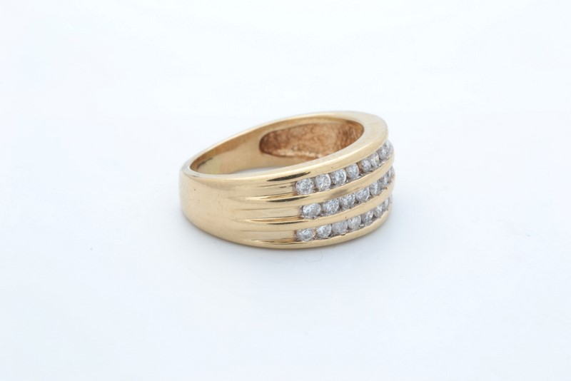 ESTATE DIAMOND RING BAND SOLID 10K GOLD ANNIVERSARY TRIPLE SIZE 4.5