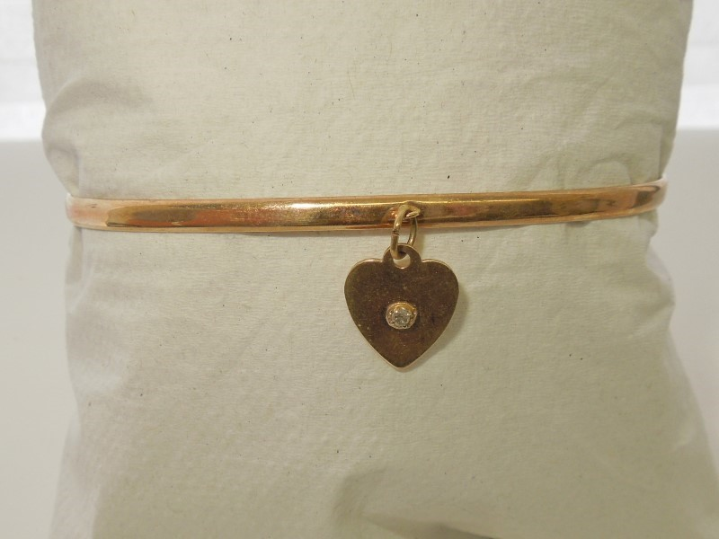Gold-Diamond Bracelet .03 CT. 10K Yellow Gold 2.4g
