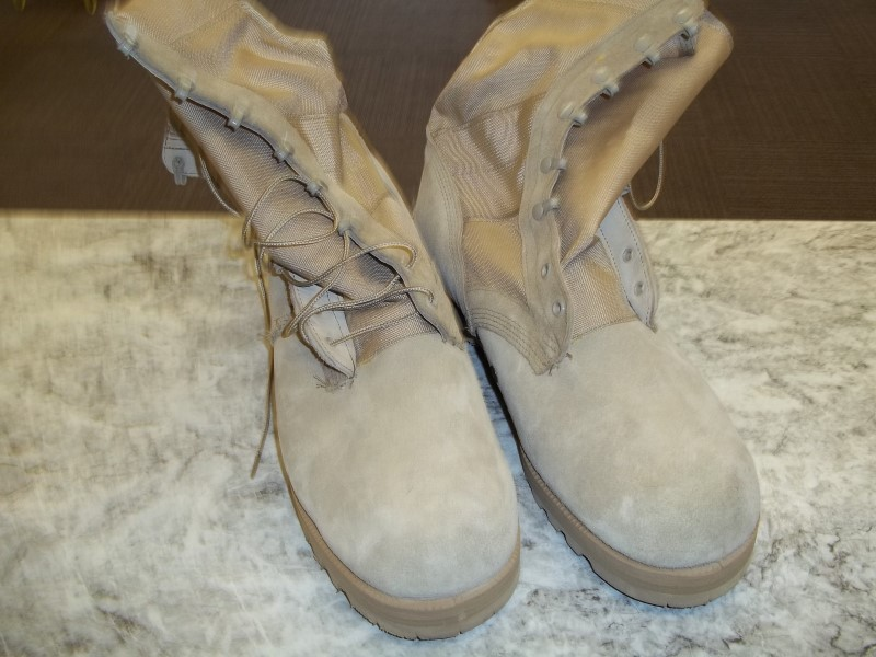 BELLEVILLE ARMY COMBAT BOOT - SIZE 14W - HOT WEATHER - TAN
