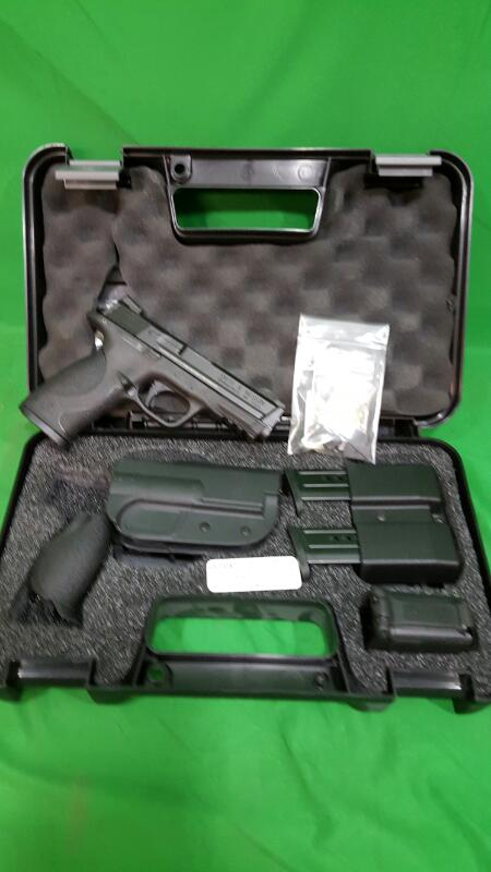 SMITH & WESSON Pistol M&P9 CARRY& RANGE KIT