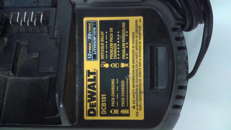 DEWALT Battery/Charger DCB101
