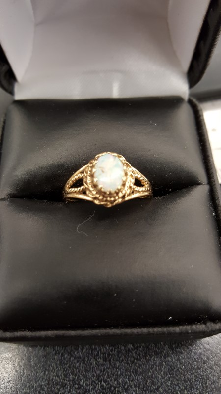 Synthetic Opal Lady's Stone Ring 18K Yellow Gold 2g Size:6.5