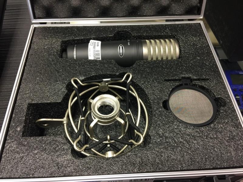 SAMSON MTR201 MICROPHONE