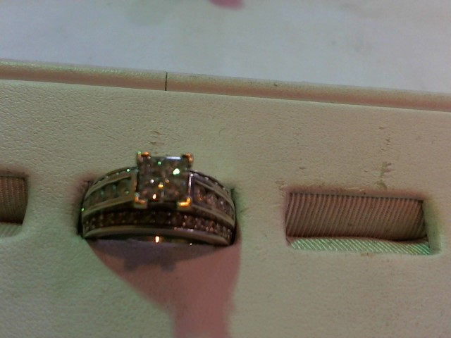Lady's Diamond Wedding Band 44 Diamonds 2.00 Carat T.W. 14K White Gold 10.2g