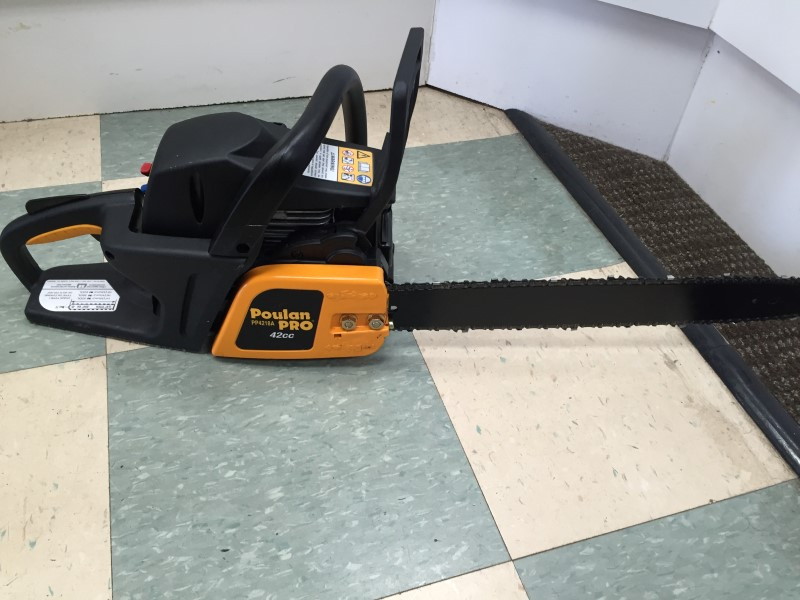 "POULAN 18"" GAS POWERED CHAINSAW, GOOD CONDITION"