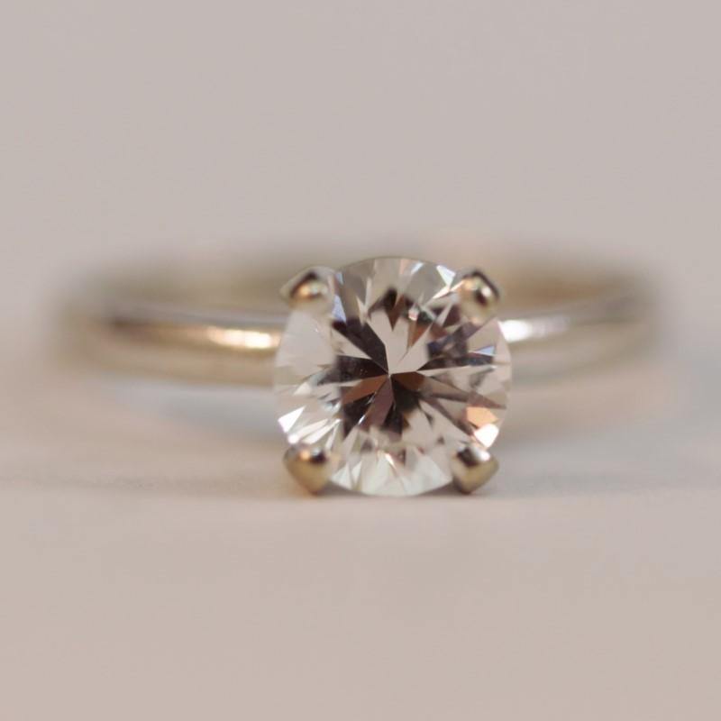14K White Gold Round Cut White Stone RIng Size 6.25