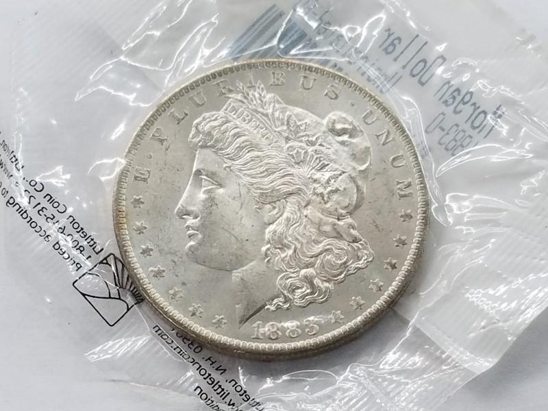 1883-0 MORGAN SILVER $1 (UNC)