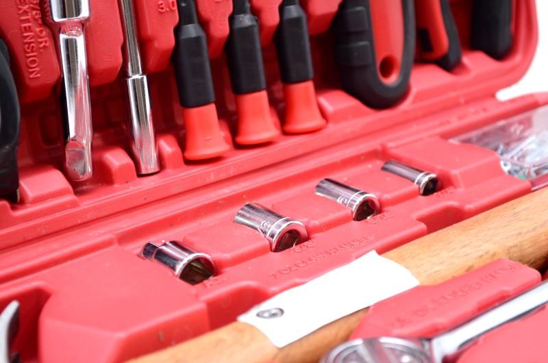 Ultra-Tough Ultra Steel 110 Piece Home Repair Mixed Tool Set w/case>