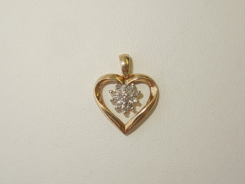 Gold-Multi-Diamond Pendant 13 Diamonds .065 Carat T.W. 10K Yellow Gold 1.6g