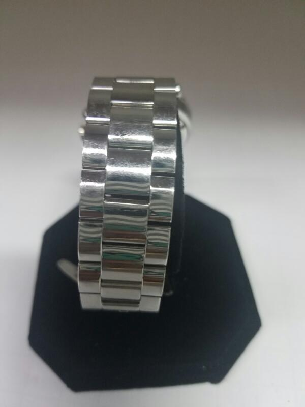 GUESS LADYS GOLD/SILVER WATCH PLATED   104.3KWMS #3 WATCH