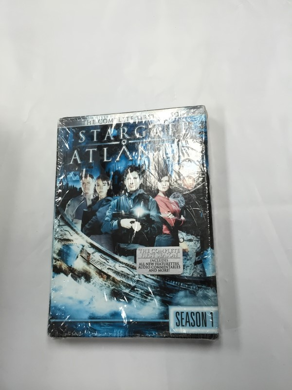 STARGATE ATLANTIS SEASON 1 Dvd Box Set Brand New!
