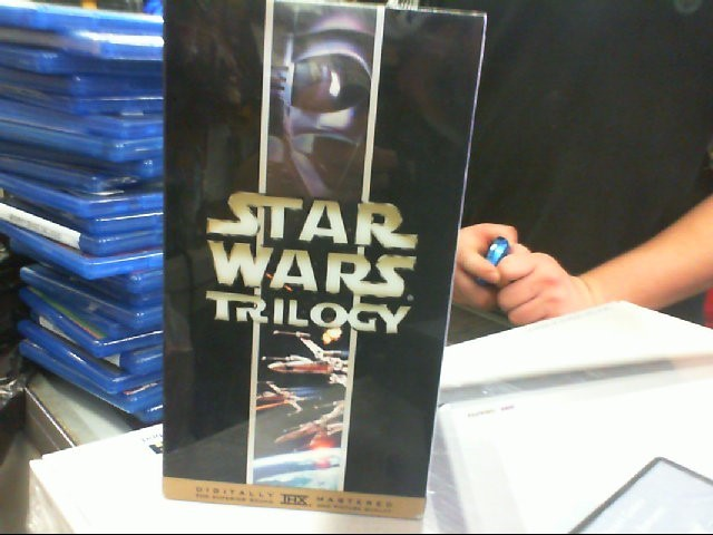 VHS STAR WARS TRILOGY DIGITALLY MASTERED