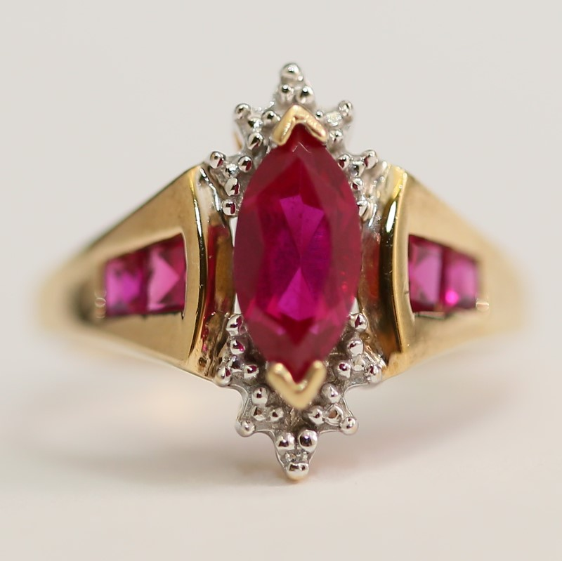 10K Yellow Gold Marquise & Princess Cut Red Stone Ring Size 7