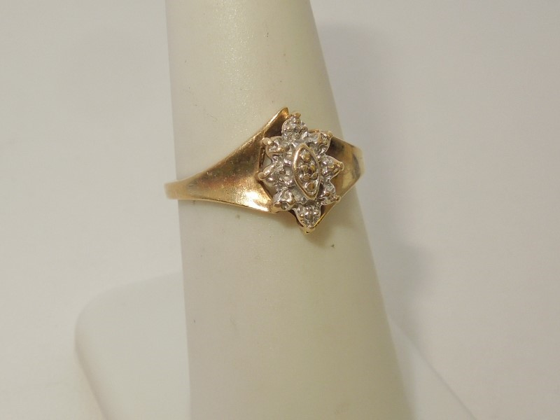 Lady's Gold Ring 10K Yellow Gold 2.2g Size:7