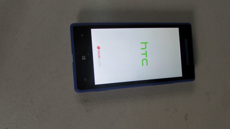 "HTC WINDOWS PHONE 8X ""Will not power on, sold as-is for parts"""