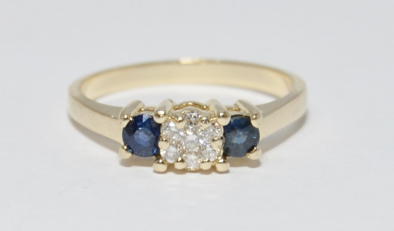 14K Yellow Gold Diamond Cluster and Sapphire 3-Stone Style Ring sz 7