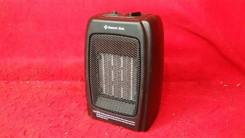 Comfort Zone Ceramic Heater Compact Air Heat Portable 1500 W Electric Room CZ442