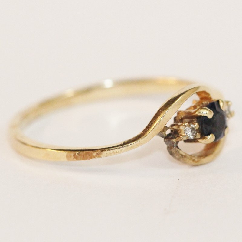 14K Yellow Gold Sapphire and Diamond Ring Size 8.5