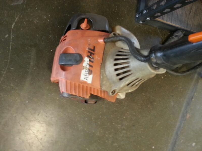 STIHL Chainsaw HT101