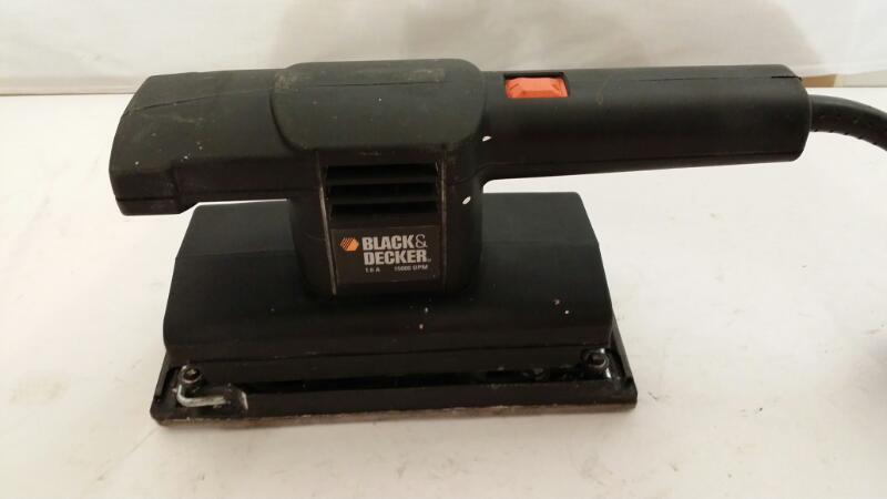 Black & Decker Light Finishing Sander Model 7448 ]