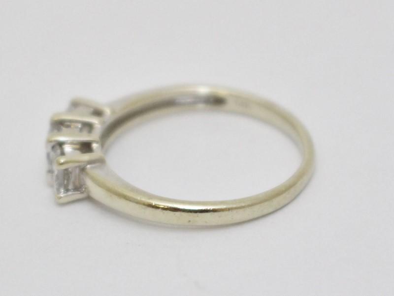 14K White Gold Princess Cut Diamond 3-Stone Engagement Ring Size 9