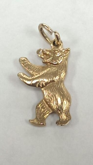 GRIZZLY BEAR 8K YELLOW GOLD CHARM, 2.3 GRAMS, VERY GOOD CONDITION.