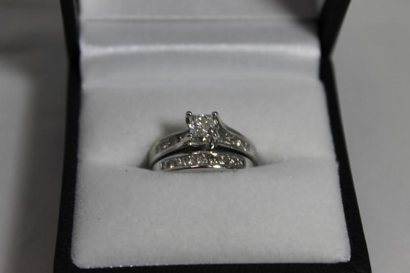 Lady's 14k white gold 3/8ct princess cut/princess cut in mounting ring