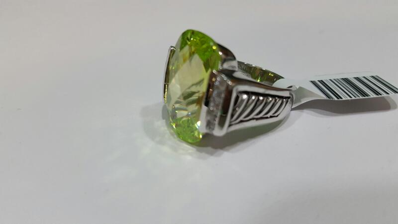 Green Stone Lady's Silver & Stone Ring 925 Silver 13.6g Size:7