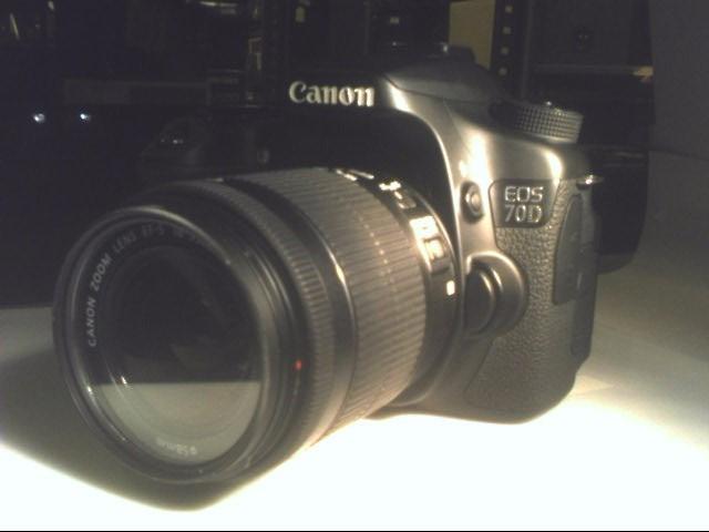 CANON Digital Camera EOS 70D / EF-S 18-55 IS STM KIT