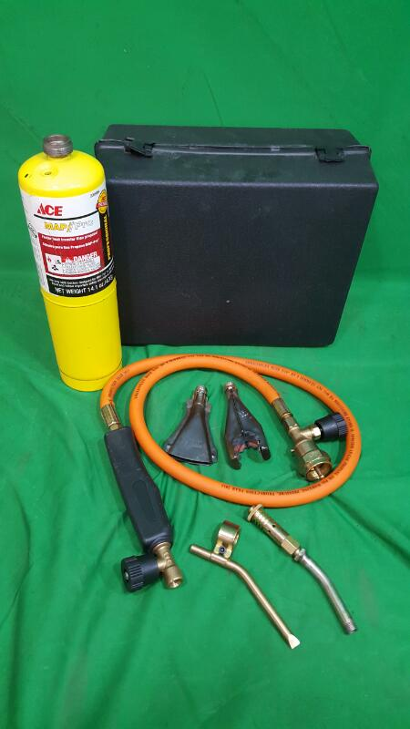CHICAGO WELDING Propane Torch with Three Burners