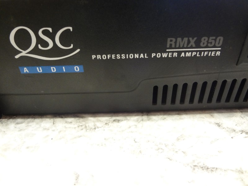 QSC RMX850 200W RMX SERIES POWER AMPLIFIER WITH POWER CORD