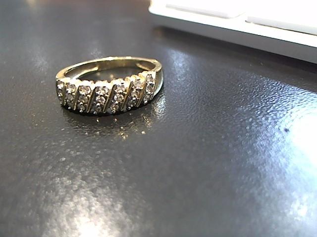 Lady's Diamond Cluster Ring 12 Diamonds .12 Carat T.W. 14K Yellow Gold 2.7g