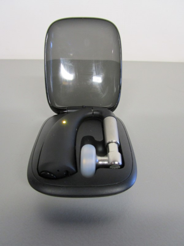 MOTOROLA SLIVER II BLUETOOTH EARPIECE, FOR PARTS OR REPAIR
