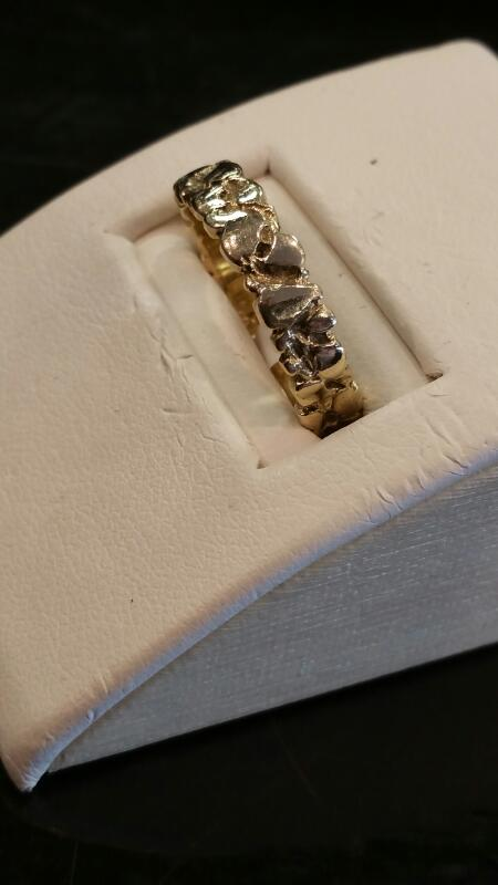 Lady's Gold Ring 10K Yellow Gold 2.3dwt