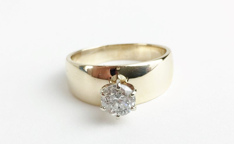 Lady's Diamond Solitaire Ring .55 CT. 14K Yellow Gold 5.24g Size:6.5