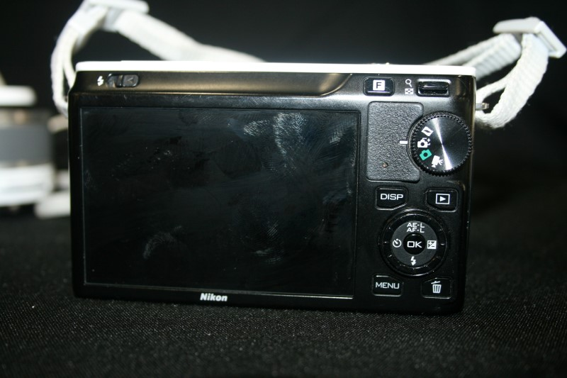 NIKON 1 J1 White Digital Camera D33697
