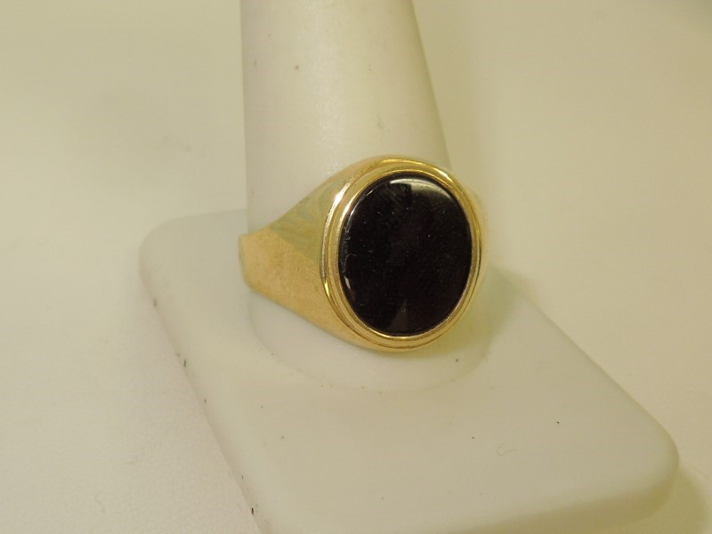 Synthetic Onyx Gent's Stone Ring 14K Yellow Gold 6.5g