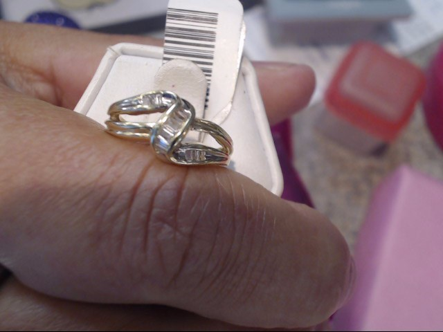 Lady's Gold-Diamond Anniversary Ring 14 Diamonds .14 Carat T.W. 10K Yellow Gold