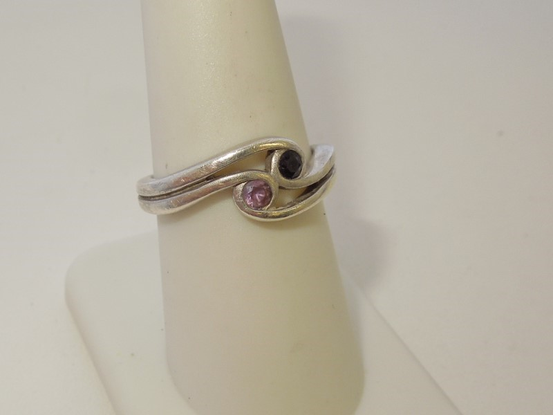 Synthetic Sapphire Lady's Silver & Stone Ring 925 Silver 4g