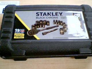 STANLLEY BLACK CHROME 19PC SOCKET SET