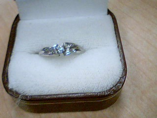 Lady's Gold Ring 10K White Gold 2.4g Size:6.5