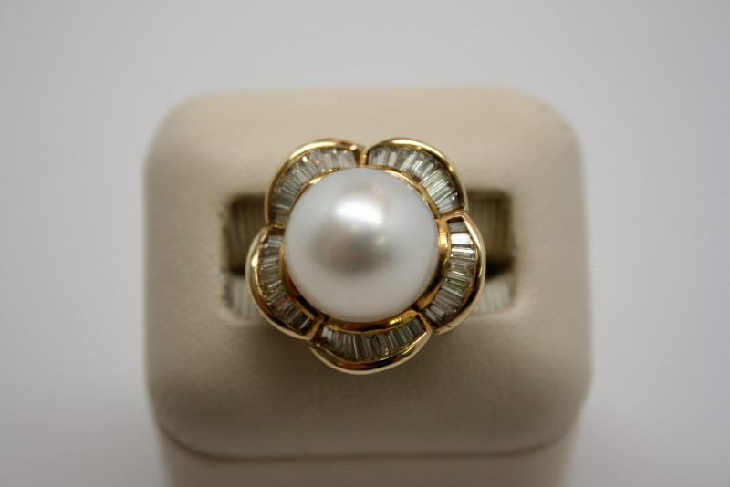 14K Pearl Lady's Stone & Diamond Ring 40 Diamonds .80 Carat T.W.