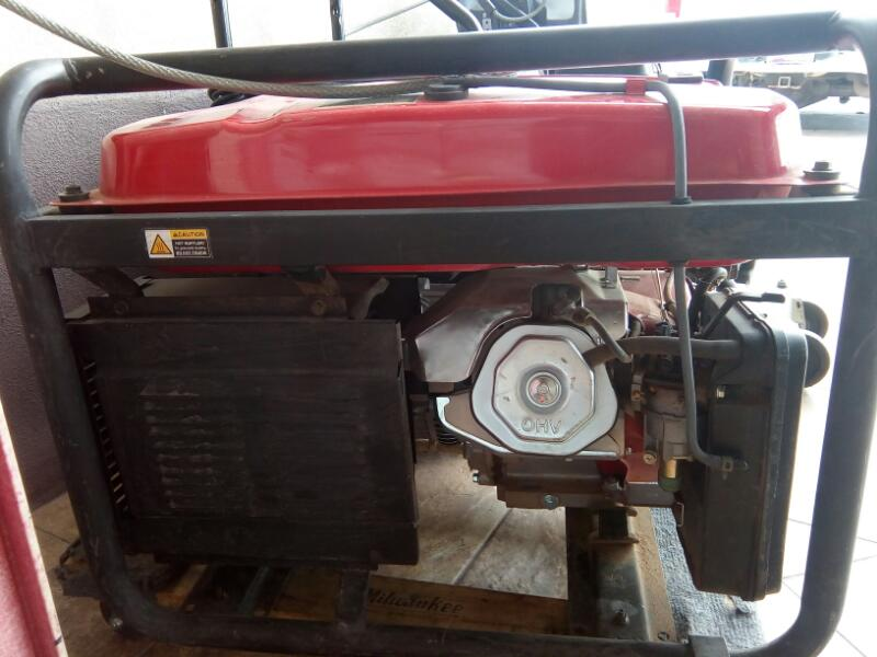 PREDATOR ENGINES Generator 7000 WATT GENERATOR