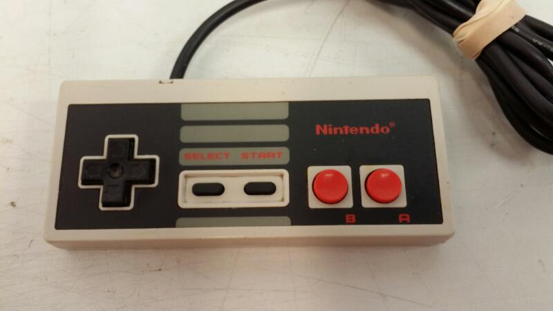 NINTENDO Nintendo ORIGINAL CONSOLE - NES001
